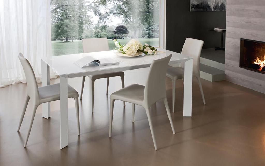 Tavoli e sedie mobilgam lissone dassi arredamenti for Tavolo in cristallo moderno